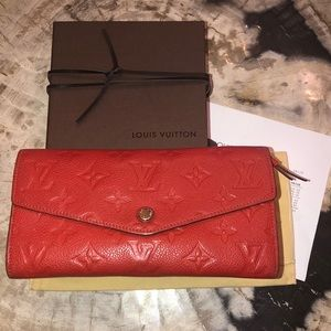 Louis Vuitton Curieuse wallet, in beautiful Orient